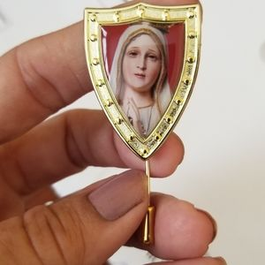 Our Lady of Fatima pin!